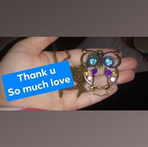 Jewelry - THANK U!!🙌💙🌈 Brass toned Jewel owl necklace